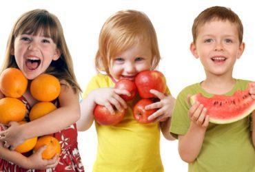 happy-kids-eating-healthy